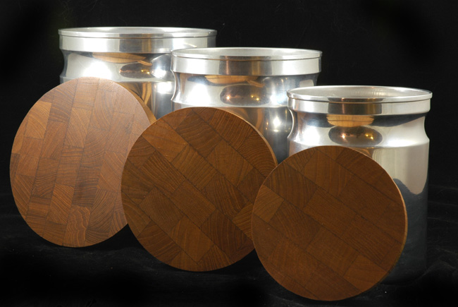 Teak and Aluminum Canister Sete