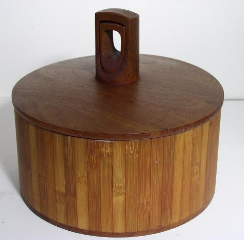 Dansk IHQ Teak Chilled Server